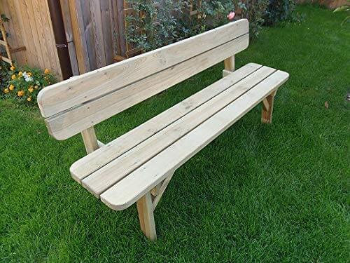Gartenbank mit hellem Holz ohne Armlehnen