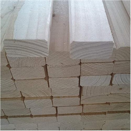 Naturbelassene Paletten aus Holz
