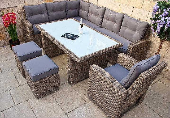 Gartensitzmöbel der Marke Magnarök